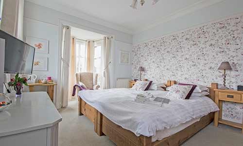dray guest bedroom